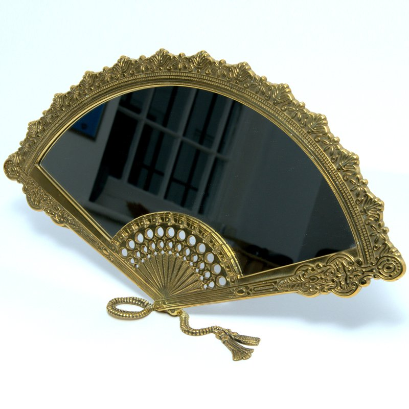 Bronze fan-shaped mirror