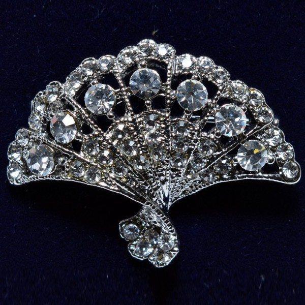 Fan-shaped crystal brooch