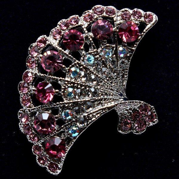 Fan-shaped pink crystal brooch