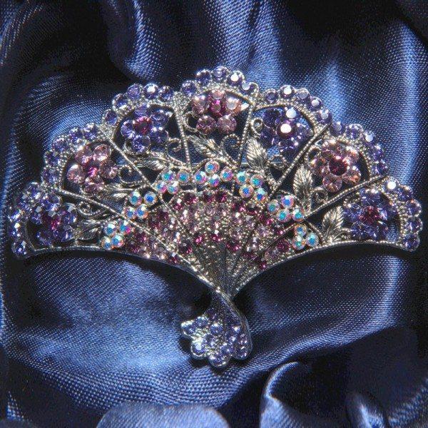 Large fan-shaped crystal brooch